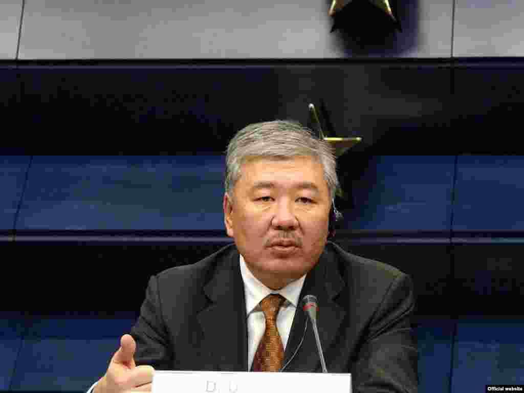 Данияр Үсенов - 2009 жылғы 21 желтоқсаннан 2010 жылғы 7 сәуірге дейін премьер-министр болған.