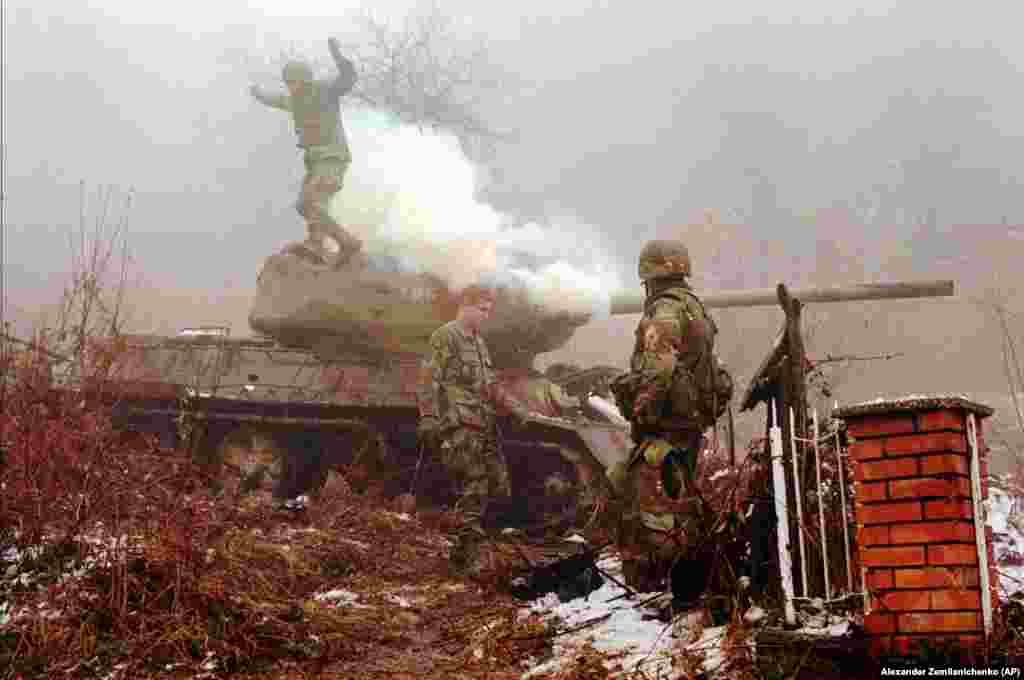 Abattle-damaged Bosnian T-34 tank, January 26, 1996.