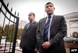 Игорь Плотницкий (слева) и Александр Захарченко (справа). Минск, 12 февраля
