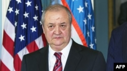 Абдулазиз Комилов.