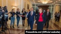 Fruntaşi socialişti la una din puţine runde de consultări de la Președinție