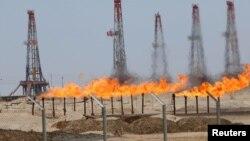 Pamje nga një fushë e naftës në Basra të Irakut