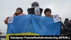 Митинг крымских активистов против вхождения региона в состав России. Симферополь, 11 марта 2014 года.