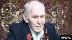 Ветеран Второй мировой войны Борис Бердников. Текели, май 2010 года.