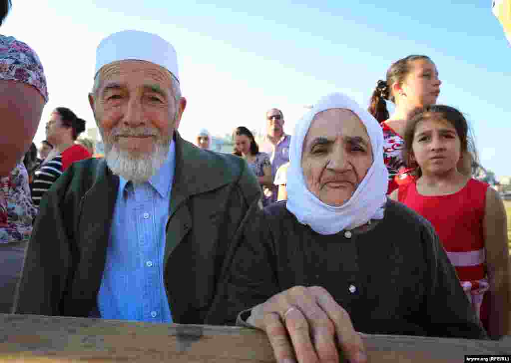 Чествовали самую старшую многодетную маму района, 91-летнюю Алиме Мамбетову, вместе с мужем вырастившую восьмерых детей.