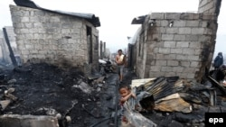 Prizor nakon požara u naselju Navotas, sjeverno od Manile