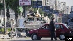 Військові блокують підходи до мечеті Рабаа-аль-Адавія в Каїрі, місця одного з ліквідованих таборів прихильників скиненого президента, 3 вересня 2013 року