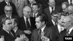 ریچارد نیکسون نخستين رييس جمهوری آمريکا بود که از چين ديدن کرد