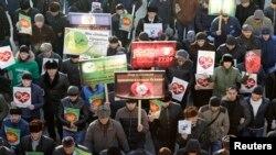 """""""Мы любим пророка!"""" - митинг в Грозном"""