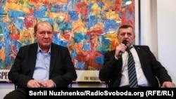İlmi Umerov (solda) ve Ahtem Çiygoz
