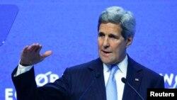 ABŞ Dövlət katibi John Kerry Davos forumunda, 2015-ci il