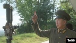 При необходимости все население Северной Кореи может быть поставлено под ружье, а страна превратится в военный лагерь.