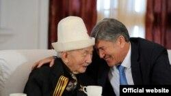 Глава государства встретился с ветеранами ВОВ, 8 мая.