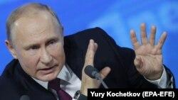 Владимир Путин на пресс-конференции в декабре 2018 года