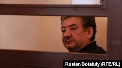 Ұлттық қауіпсіздік комитеті шекара қызметінің бұрынғы директоры Нұрлан Жоламанов сот залында. Астана, 27 ақпан 2015 жыл.