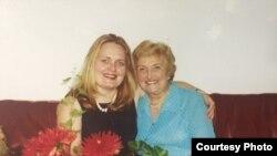 Дочь Татьяна с бабушкой в Англии