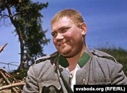 Чэскі актор Рудольф Грушынскі ў ролі Швэйка ў экранізацыі раману Гашка з 1958 году
