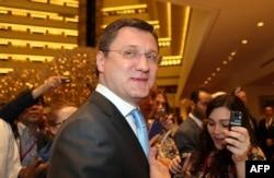 Александр Новак на встрече в Дохе, 17 апреля 2016 года