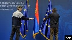Zastave Evropske unije i Srbije