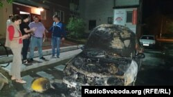 Вночі 17 серпня в Броварах невідомі підпалили автомобіль програми журналістських розслідувань «Схеми»