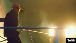 Работы на завалах сгоревшего цеха в ММК продолжат до обнаружения всех погибших