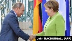 Ռուսաստանի նախագահ Վլադիմիր Պուտինը և Գերմանիայի կանցլեր Անգելա Մերկելը, արխիվ