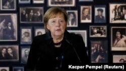 Ангела Мэркель, архіўнае фота
