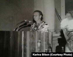 Марія Гаврилів під час промови в 90-х роках у Львові на зборах Народного руху