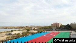 «Bayraq Meydanı» inşa olunur