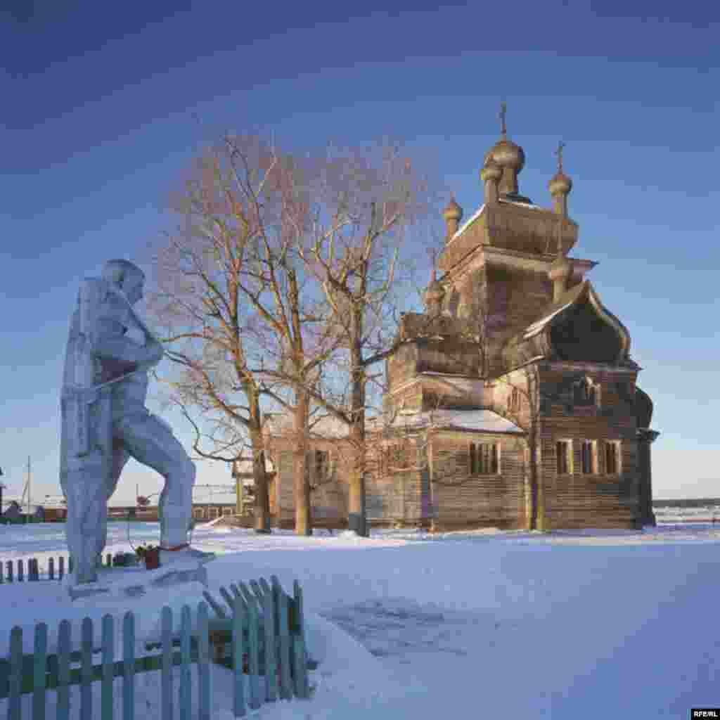 Russia's Vanishing Wooden Churches #23