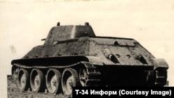 Общий вид танка Т-20, который позднее получил название Т-34