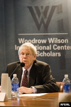 A. Ross Johnson la Woodrow Wilson Center, Washington