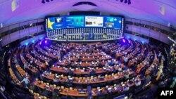 Hemiciclul PE de la Bruxelles, în seara anunțării rezultatelor alegerilor europarlamentare