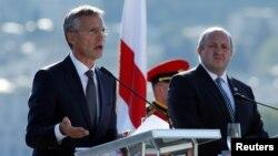 Йенс Столтенберг и Георгиий Маргвелашвили на пресс-конференции в Тбилиси, 8 сентября 2016 г.
