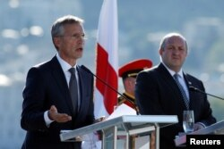 Secretarul-general NATO, Jens Stoltenberg la Tbilisi cu președintele Giorgi Margvelashvili la 8 septembrie 2016