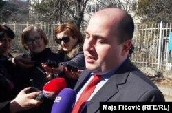 Dusan Kozarev, zamjenik direktora kancelarije za Kosovo, Vlade Srbije bio je takođe ispred suda