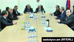 Armenia - Armen Sarkissian meeting representatives of the Armenian Revolutionary Federation in Yerevan, 29 January 2018.