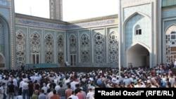 Большиснтво населения Таджикистана - верующие