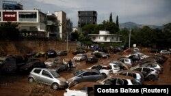 Imagini de la inundațiile de acum doi ani, de lângă Atena