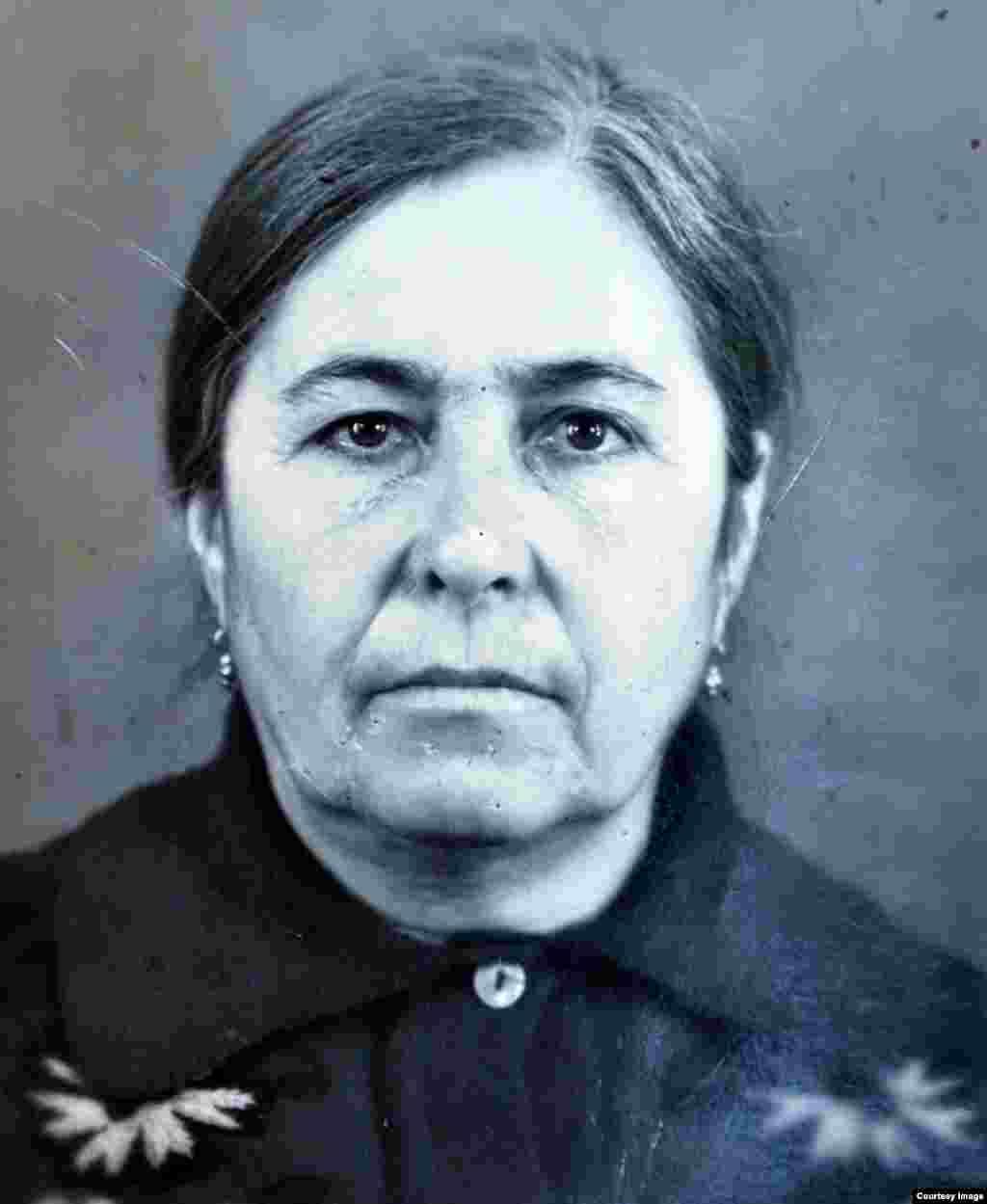 Elena Terzi, mama lui Nicolae, în vârstă de 60 de ani
