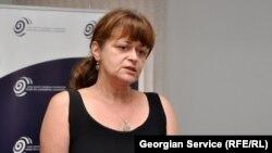 В отставке, но при делах - экс-руководитель экзаменационного центра при Министерстве образования Грузии Майа Миминошвили не намерена уходить из сферы образования