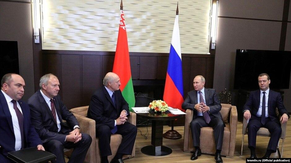 Президенты России и Белоруссии обсудили «спорные вопросы»