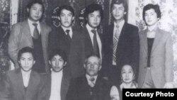 Бывший президент КР Курманбек Бакиев с братьями. Семейное фото.
