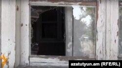 Ադրբեջանական կրակոցներից վնասված տուն Կոթիում