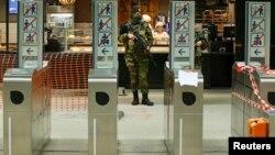 Բելգիա - Զինվորականը պարեկություն է իրականացնում Բրյուսելի մետրոպոլիտենում, 25-ը նոյեմբերի, 2015թ․