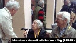 Голова Московської Гельсінської групи Людмила Алексеєва, яка зустрілася на конгресі з колишніми політв'язнями Василем Овсієнком та Євгеном Сверстюком