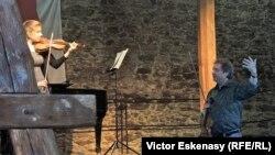 La un curs de măiestrie la Academia Kronberg în Germania cu violonista Ljuba Kalmikova