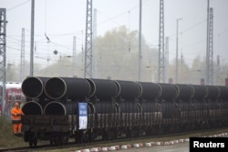 Труби для газопроводу «Північний потік-2» на острові Рюген, Німеччина