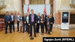 Deo poslanika opozicije koji su u znak protesta noć proveli u Parlamentu