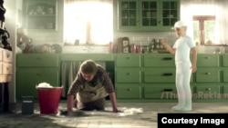 Кадр из рекламы моющего средства